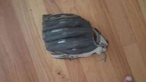 mezuno baseball glove for Sale in Marietta, GA