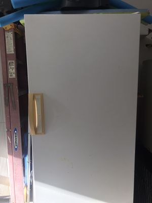 FREE Kenmore Upright Freezer for Sale in Chesapeake, VA