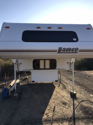 """2000 lance 11'6"""" cab over camper for Sale in Valley Center, CA"""