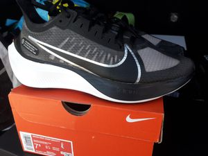 Brand New Nike Women's Zoom Gravity Shoes Women's Size 7.5 for Sale in Rialto, CA