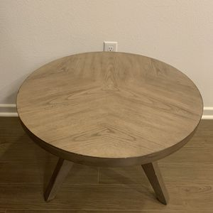Almost new side table for Sale in Irvine, CA