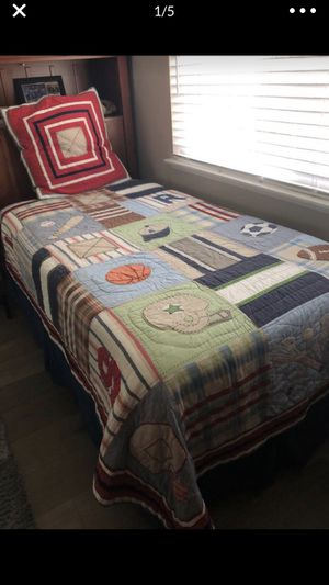 Pottery barn kids sports theme twin size comforter and pillow sham for Sale in Fountain Valley, CA