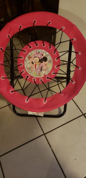 Silla de minnie mouse para niña for Sale in Phoenix, AZ