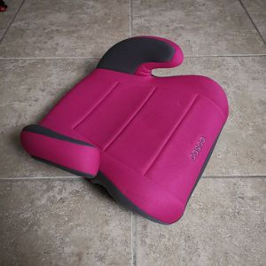 Big kids pink booster chair / car seat for Sale in Miami, FL