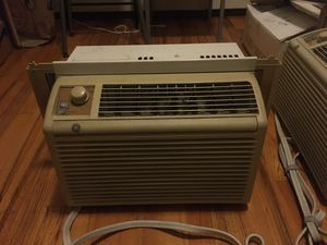 GE brand AC unit. 5000 btu for Sale in Brooklyn, NY