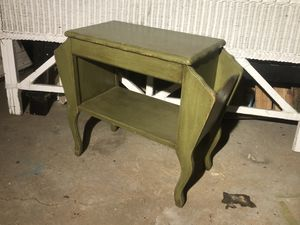 Antique green side table for Sale in Oakley, CA