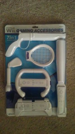BRAND NEW... GAMING ACCESSORIES SET FOR SPORTS 7 IN 1 PACKAGE. for Sale in Schaumburg, IL