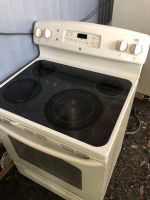 Estufa in good condition for Sale in Wimauma, FL