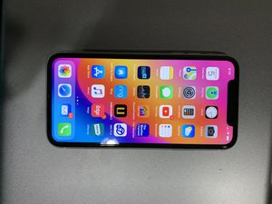 iPhone XR 64 GB factory unlock for Sale in Anaheim, CA