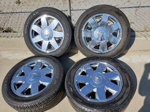 """17""""INCH CADILLAC DTS 5 LUG RIM'S WITH TPS SENSORS AND TIRES 235/55/17 YOKOHAMA/GOODYEAR 5×114 LUG PATTERN for Sale in Ontario, CA"""