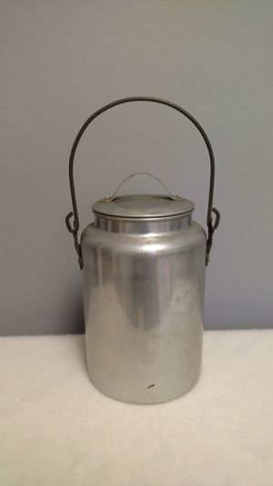 Vintage Camping Pot with Lid and Handle for Sale in Allendale, NJ