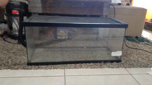 20 gallon long terrarium tank for Sale in Highland Beach, FL