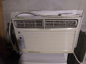 Frigidaire 8,000 btu window AC unit for Sale in Columbus, OH