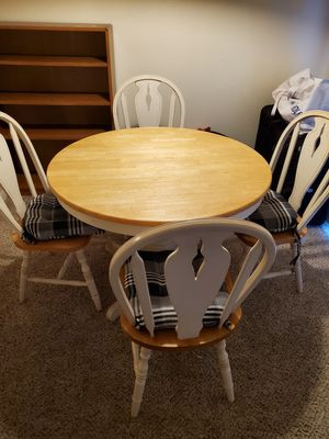 Kitchen Table with Leaf(chairs & seat cushions included) for Sale in Mesa, AZ