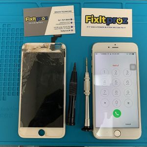 Iphone 5 screen for Sale in Lake Worth, FL
