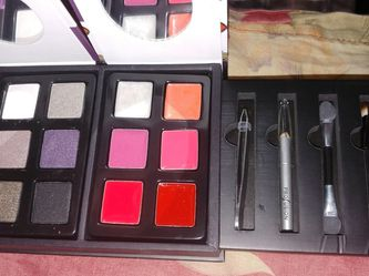 Cute Travel Size Profusion Eyes & Lips Vanity Kit Set NEW for Sale in Brooklyn,  NY