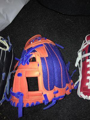 Soto pro series RHT 11.75 baseball glove for Sale in Los Angeles, CA