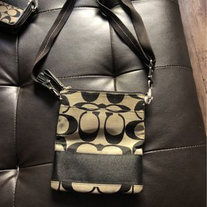 Authentic Coach Side Purse for Sale in Sloan, NV