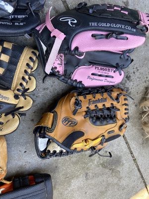 Youth size baseball gloves 8 inches to 10 inches for Sale in Cerritos, CA