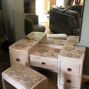 Vintage Art Deco shabby chic vanity desk-price firm for Sale in Lakeside, CA