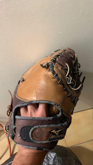 Mizuno Firstman Glove (Mitt) for Sale in Miami Lakes, FL