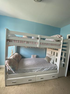 Acme Allentown twin over twin bunk bed with trundle for Sale in The Bronx, NY