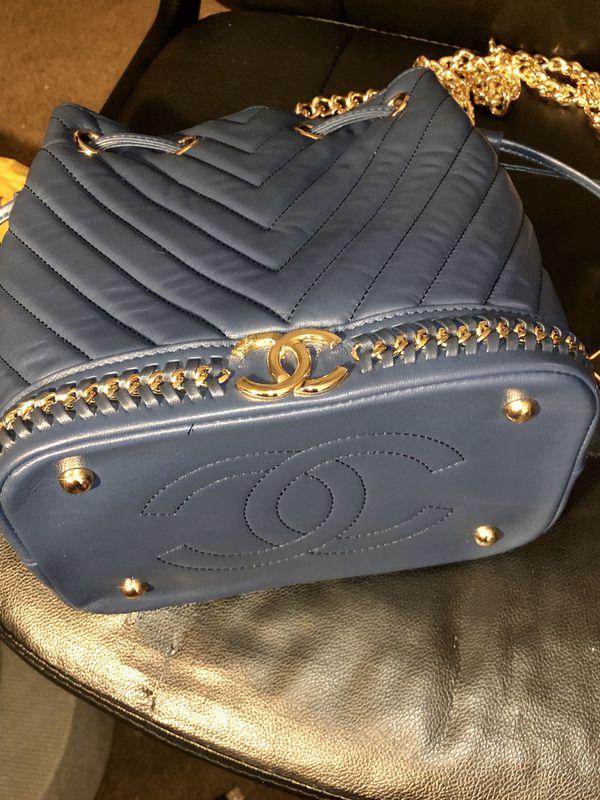 Chanel Leather bucket bag
