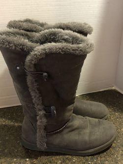 Airwalk Women's Gray Ugg Like Boots Size 9 for Sale in Manassas,  VA