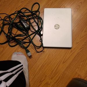 HP Laptop Computer With Cords for Sale in Carmichael, CA