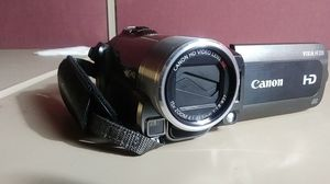 Canon Vixia hf200 for Sale in Tallahassee, FL