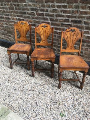 Set of 3 matching hardwood dining chairs for Sale in Chicago, IL