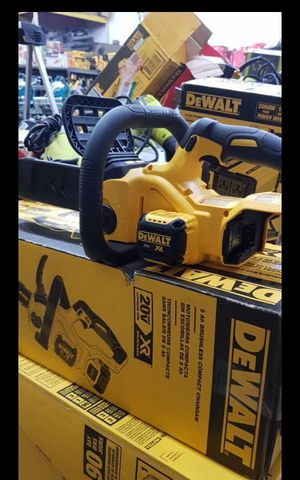 """DEWALT 20V MAX CORDLESS BRUSHLESS 10""""IN CHAINSAW NEW TOOL ONLY for Sale in San Bernardino, CA"""
