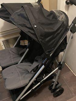 Evenflo Twin Stroller for Sale in Douglasville,  GA