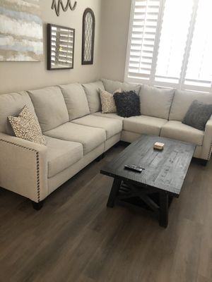 Couch $450 for Sale in Temecula, CA