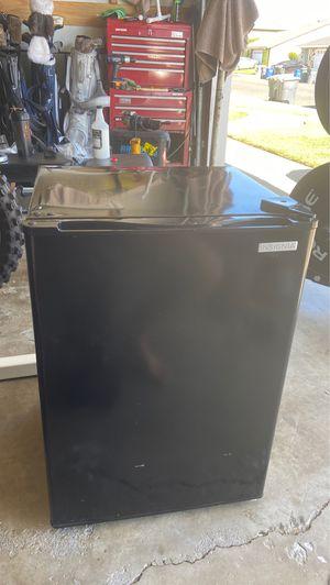 Mini fridge for Sale in La Palma, CA