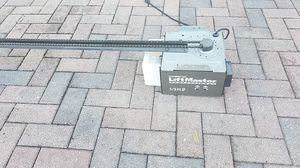 Chamberlain liftmaster professional 1/3 hp garage door opener for Sale in Kissimmee, FL