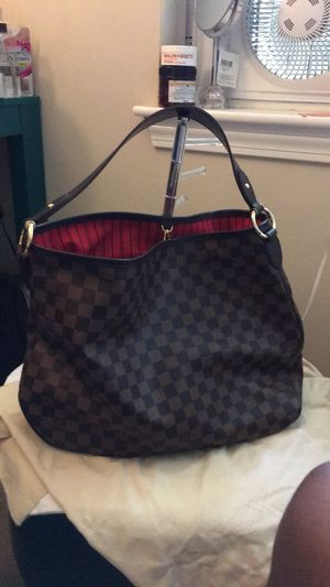 Authentic Louis Vuitton delightful bag never been worn for Sale in Concord, MA