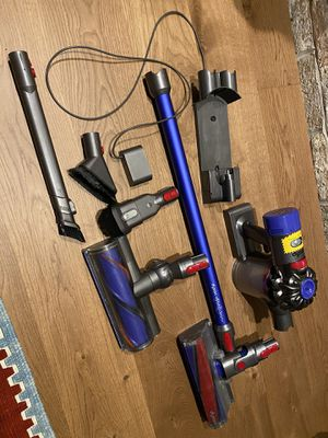 Dyson V8 SV10 total clean+ Cordless Vacuum with extra accessories for Sale in Coopersburg, PA