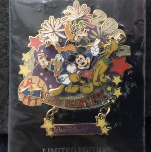 Disney Fab 4 Mickey Donald Goody Pluto Happy New Years Eve Movement clock for Sale in Oakland Park, FL