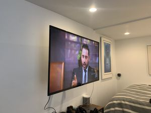 """55"""" TCL Roku Tv with mount for Sale in Brooklyn, NY"""
