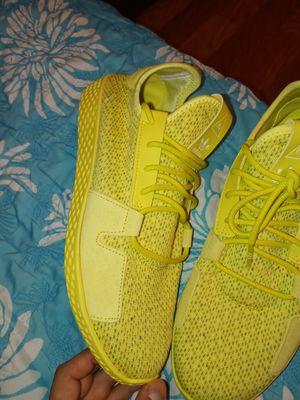 Adidas Size 9 buen condición ,,No caja for Sale in Houston, TX