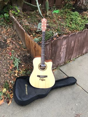 Electric acoustic guitar full size for Sale in Tracy, CA