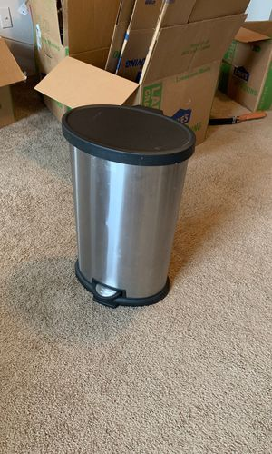 FREE Trashcan for Sale in Bryant, AR