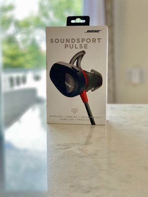 Bose Soundsport Pulse earbuds for Sale in Naperville, IL