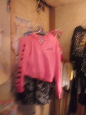 V S pink hoodie for Sale in Columbus, OH