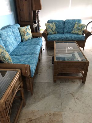 Rattan sofa, love seat with end table and coffee table. for Sale in Pompano Beach, FL