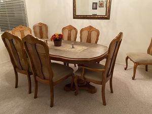 Dining room table with 8 chairs for Sale in Lake Elsinore, CA