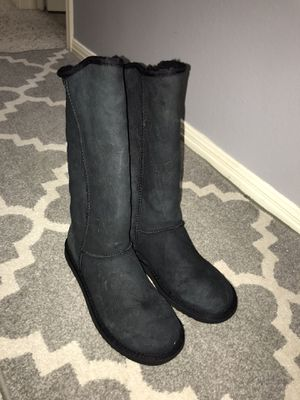 Black UGGS boots women size 8 for Sale in Austin, TX