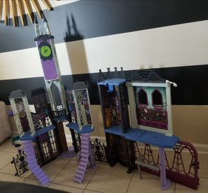 Monster High Deadluxe High School Playset for Sale in NC, US