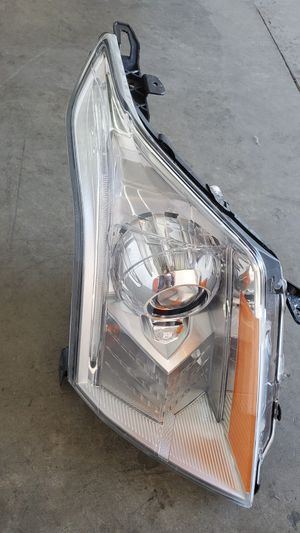 2010 2011 2012 2013 2014 2015 2016 CADILLAC SRX HID XENON HEADLIGHT OEM PASSENGER SIDE for Sale in Hawthorne, CA